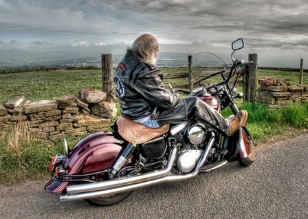 Does riding a motorcycle cause tinnitus-ringing in ears